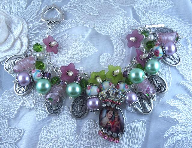 Virgin Mary with Baby Jesus Catholic Medals Charm Bracelet