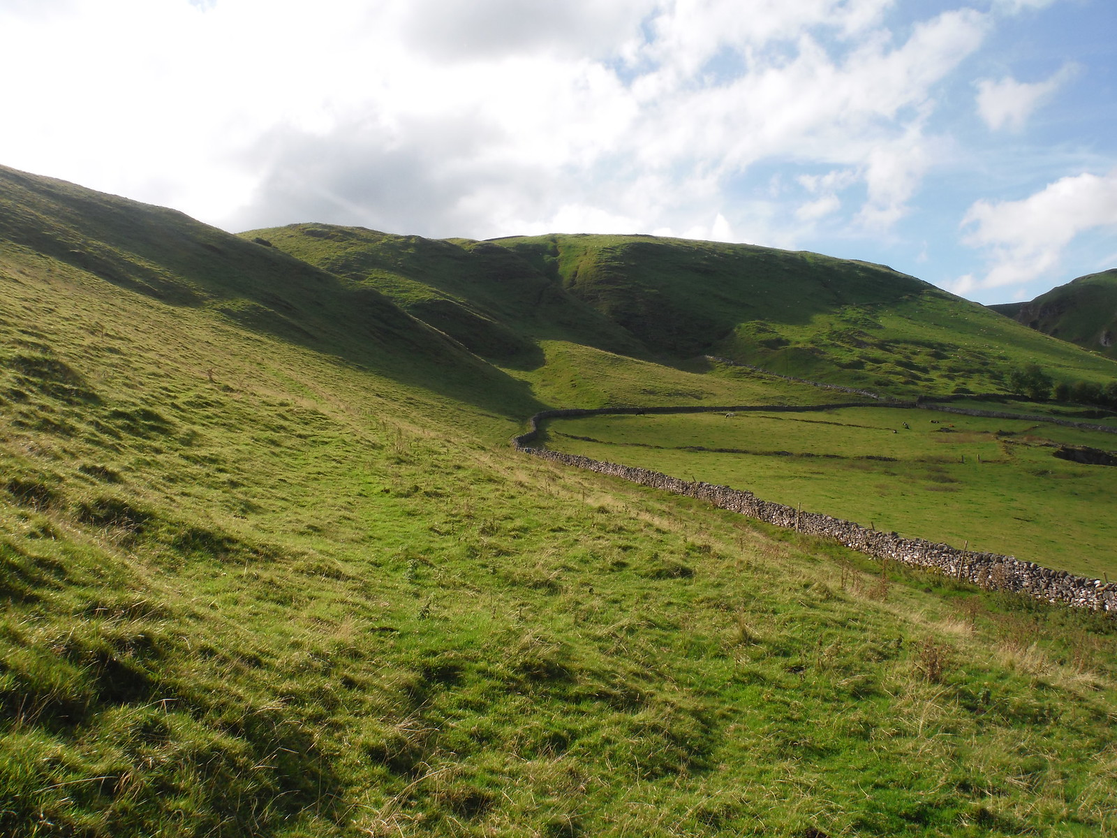Long Cliff SWC Walk 302 - Bamford to Edale (via Win Hill and Great Ridge) [Castleton Alternatives]