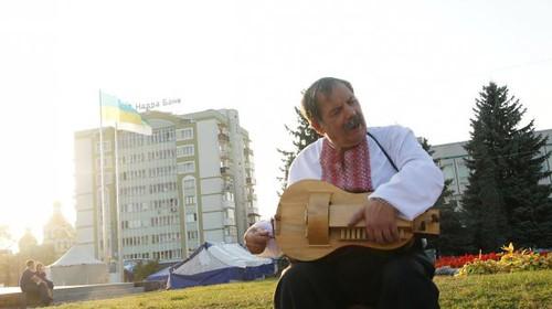 На Покрову біля храмів міста заспівають кобзарі