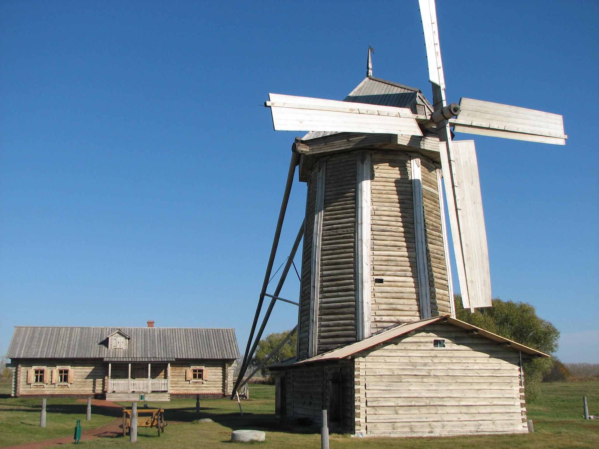 Реставрация ветряной мельницы в сентябре 2017 года в музее-заповеднике «Тарханы»