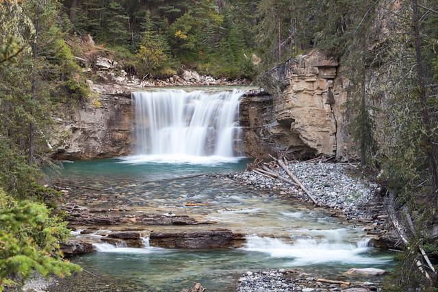 waterfall @ Johnston Canyon