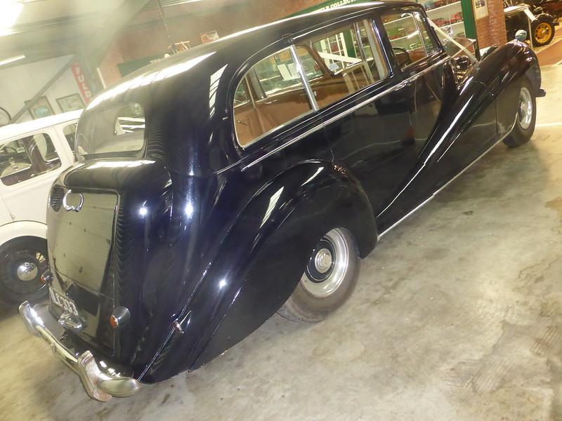 Rolls-Royce Silver Wraith 1 Limousine (1954)