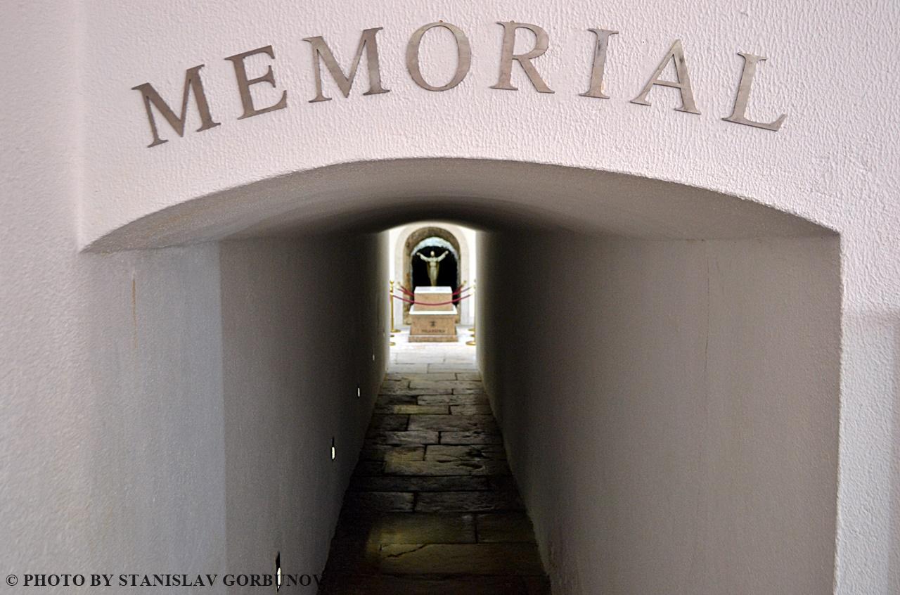 memorial03