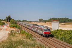 15 juillet 2013  BB 67609-67435 Train 3835 Nantes -> Bordeaux Aubie-St-Antoine (33) - Photo of Marcenais