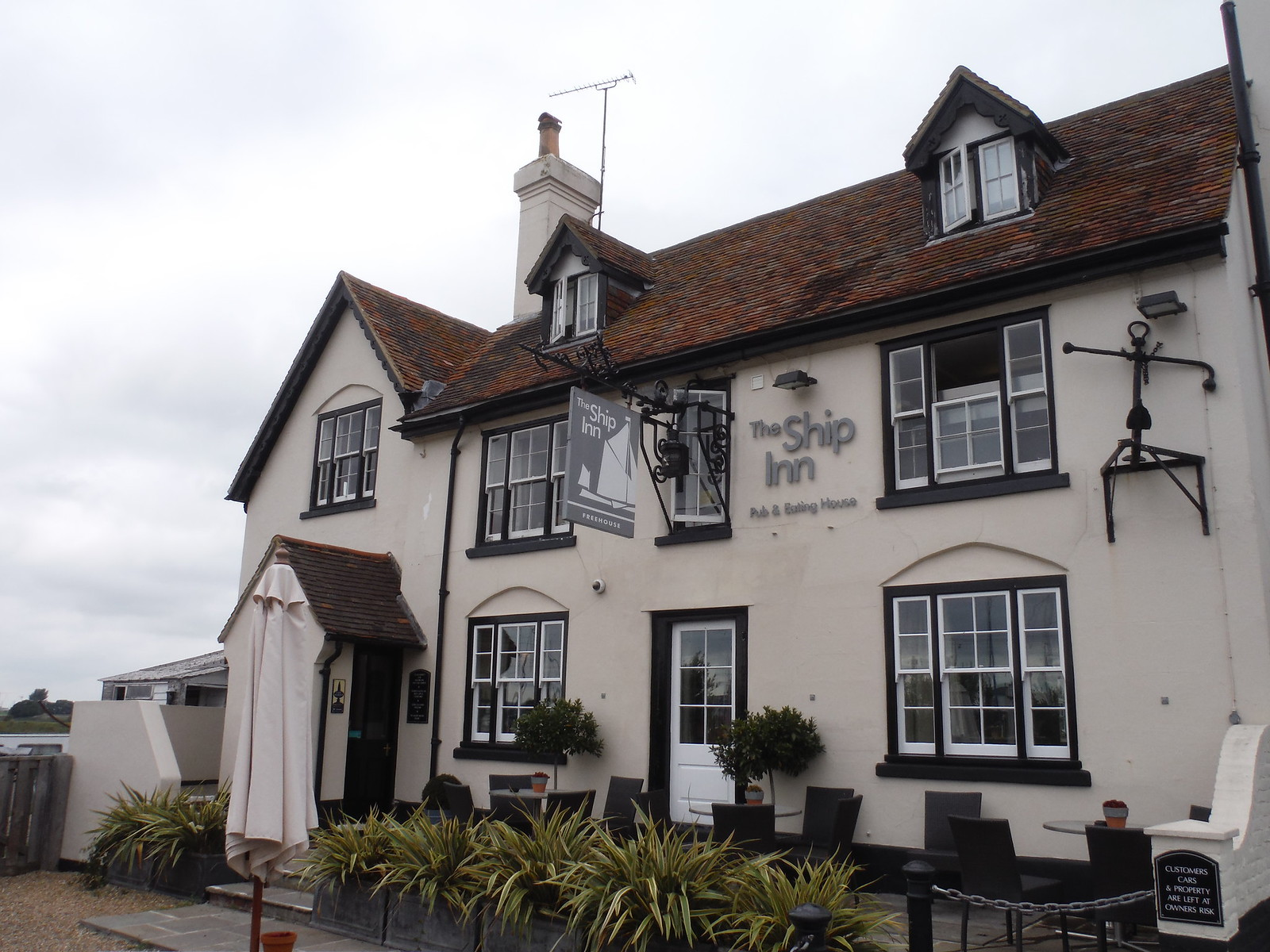 The Ship Inn at Conyer SWC Walk 299 - Teynham to Faversham