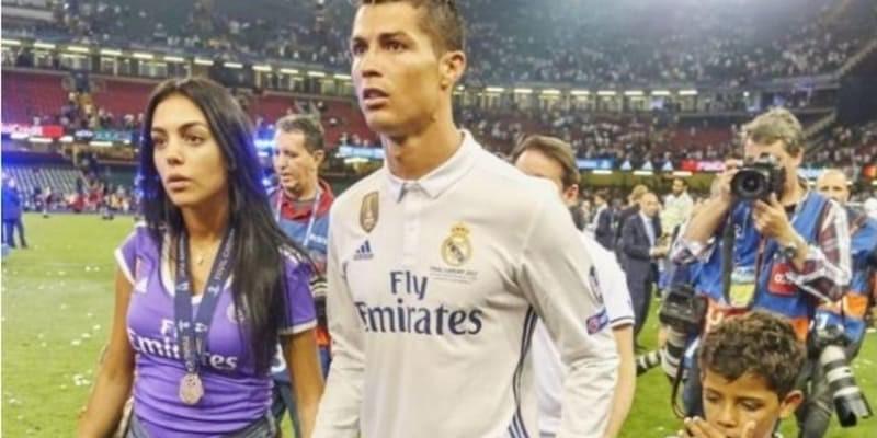 Pacar Cristiano Ronaldo Jarang Berkumpul Dengan Kelompok WAGs Real Madrid