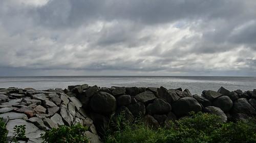 Nach Rügen kommt der Klabautermann stark wie das Meer und fessellos umlodert der Lavaschein zur Ostsee 02303