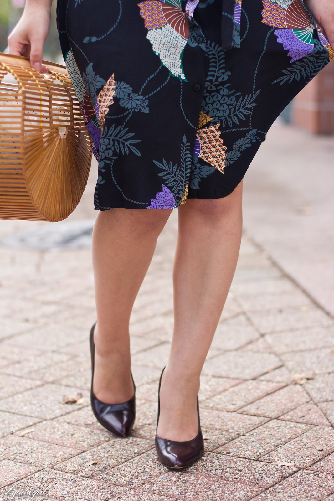 Tucker Japanese Floral Dress, Bamboo Bag, Fall Outfit-9