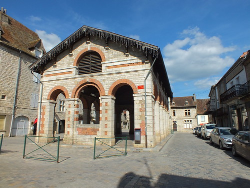 [128-004] Gramat - Halle du XIXe siècle (Place de la Halle)