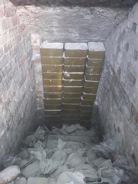 СБУ виявила в районі АТО дві схованки з боєприпасами терористів