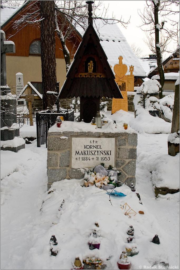 Grób Kornela Makuszyńskiego na Pęksowym Brzyzku
