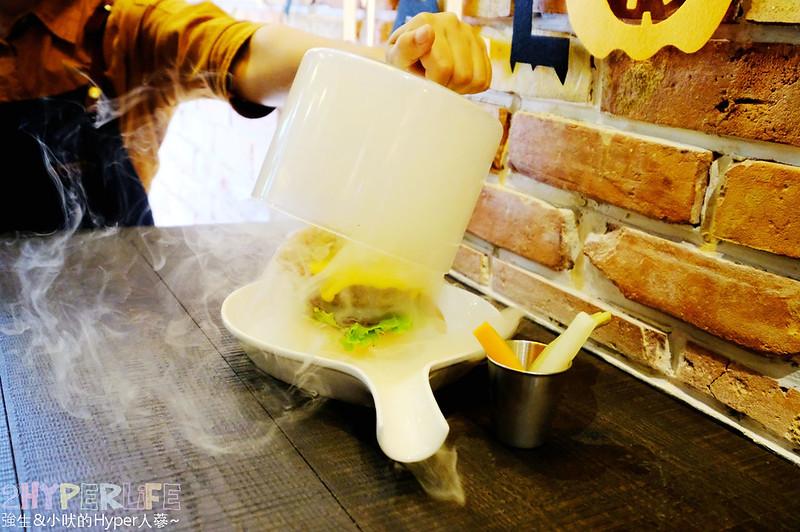 台中漢堡,台中美食,嶺東美食,彩虹眷村,早午餐,紅盒子,美式漢堡,義式咖啡 @強生與小吠的Hyper人蔘~