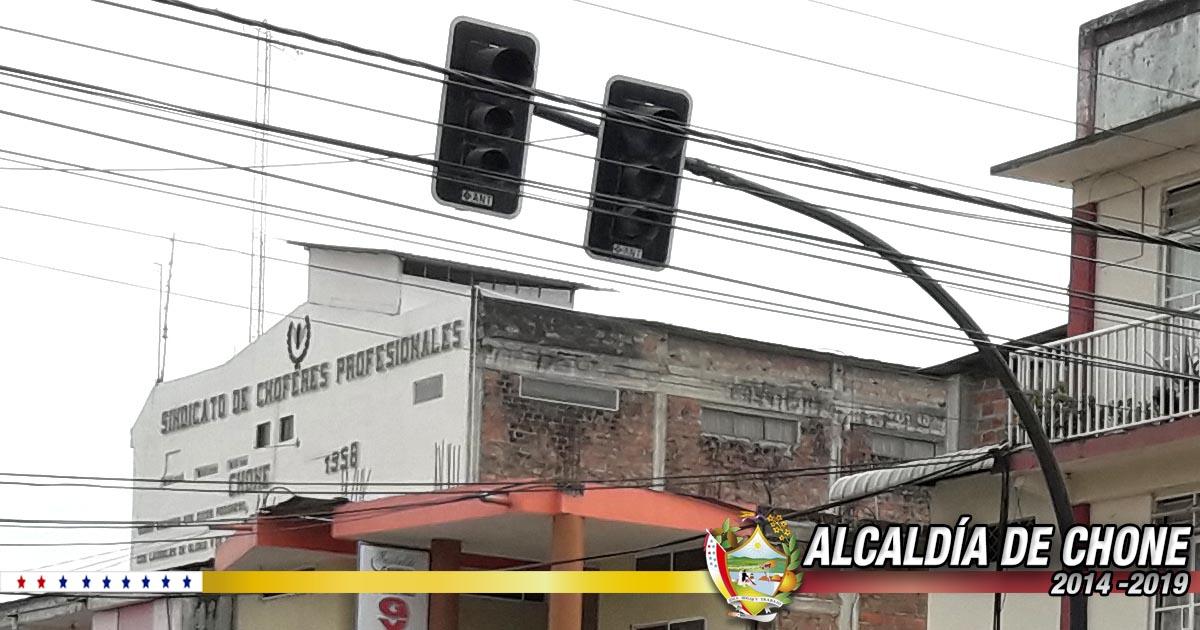 Dirección de Tránsito municipal arregló los semáforos en calle Pichincha y 7 de Agosto