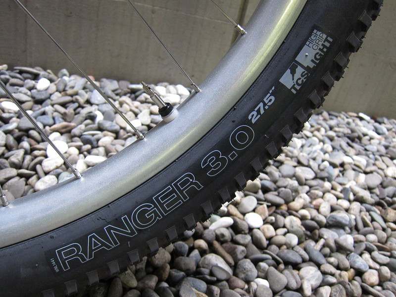 SURLY Karate Monkey PPL Dropper Tire