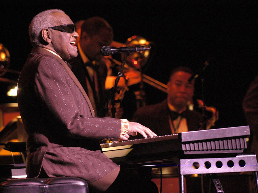 Last concert of Ray Charles, at Salle Wilfrid-Pelletier of the Place des Arts while the Festival International de Jazz de Montréal in 2003. Photo by Victor Diaz Lamich, July 15,2003.