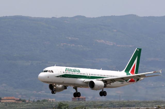 Airbus A320-233, Alitalia, provenace Rome, I-BIKC