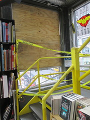 Man Jumps Out Midtown Comics Store 2nd Floor Window 2252
