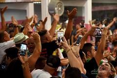 Mangfinal 171007 223 Quadra anuncio samba Lequinho mão celulares