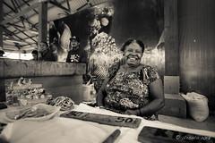 Market Lady (Creamtone) 6342
