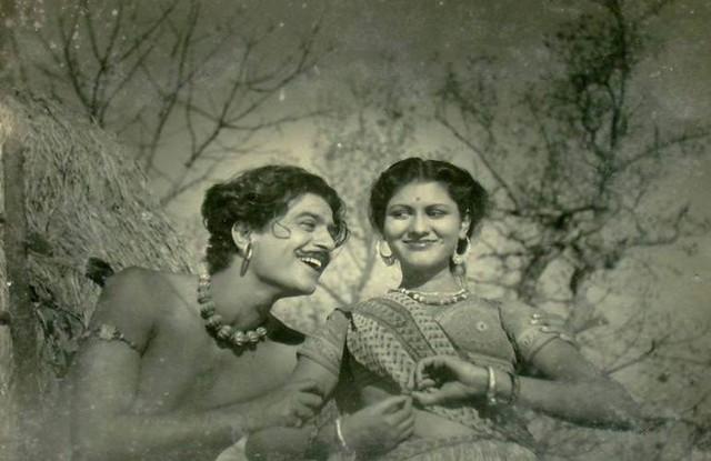 Shashikala in Girls School-1949, Sony DSC-S500