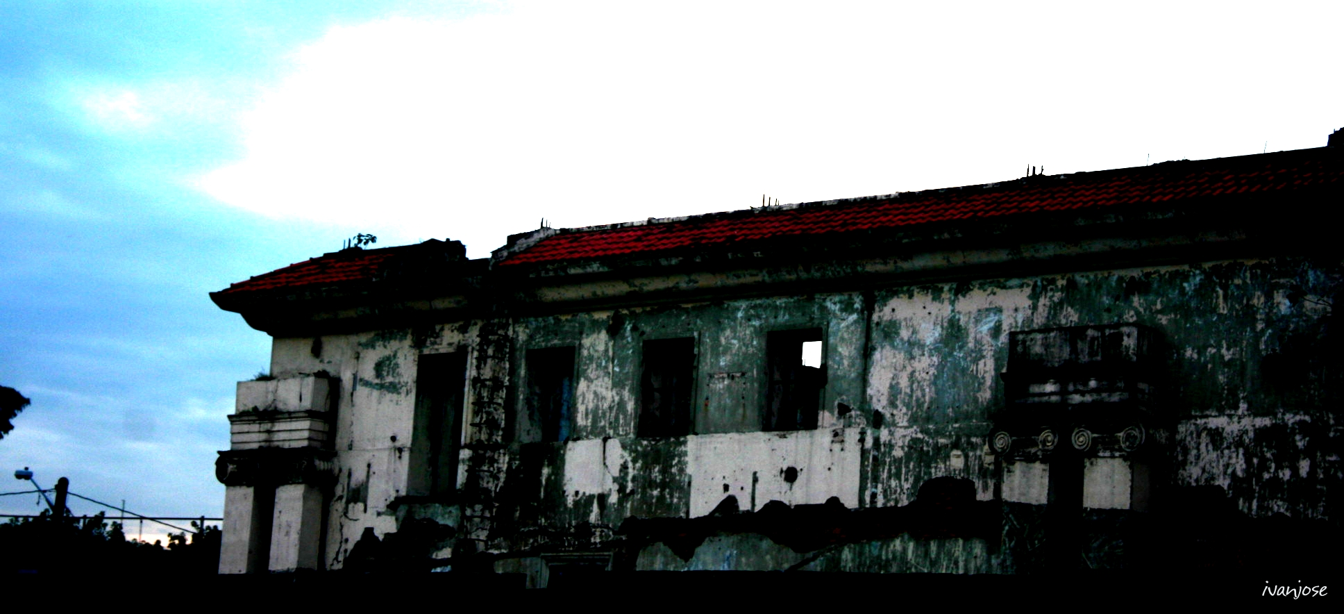 Journey through Gloom: Thoughts on Dark Tourism