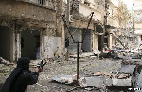 Syria-FSA-slingshot-aleppo-c2013-bbc-1