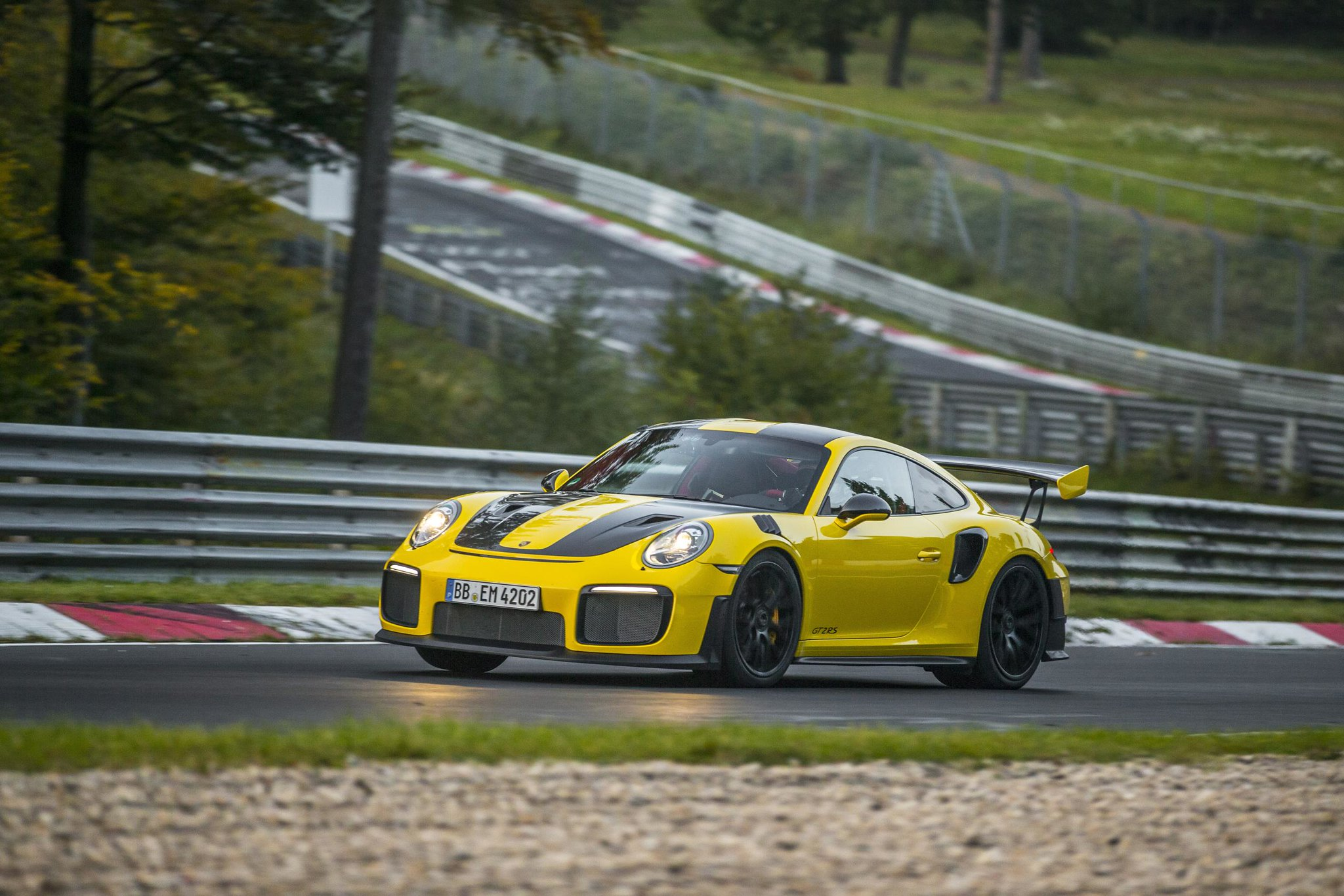 Porsche GT2 RS is the fastest 911 model of all time with 6:47.3 lap time