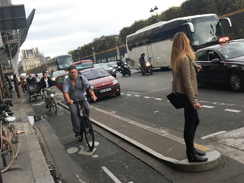 Paris bikes and street scenes-90.jpg
