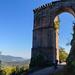 Tor mit Brunnenturm