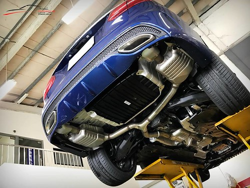 Mercedes-Benz C250 x Armytrix Exhaust