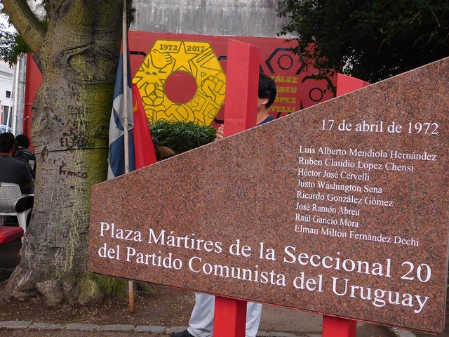 Seccional 20 reinaugura la plaza de los mártires