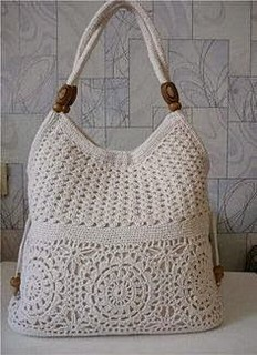 😊😍😉 I loved this handbag in simple and delicate crochet look step by step of this beautiful pattern. I loved