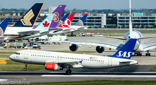 OY-KAM SAS Scandinavian Airlines Airbus A320-232