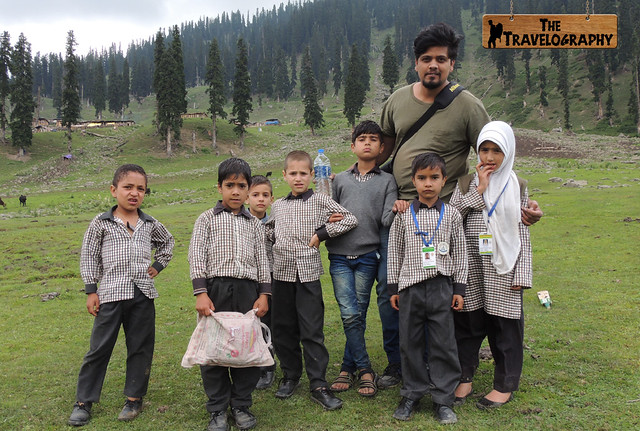 Children in Kashmir Valley | The Travelography