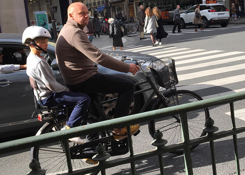 Paris bikes and street scenes-106.jpg