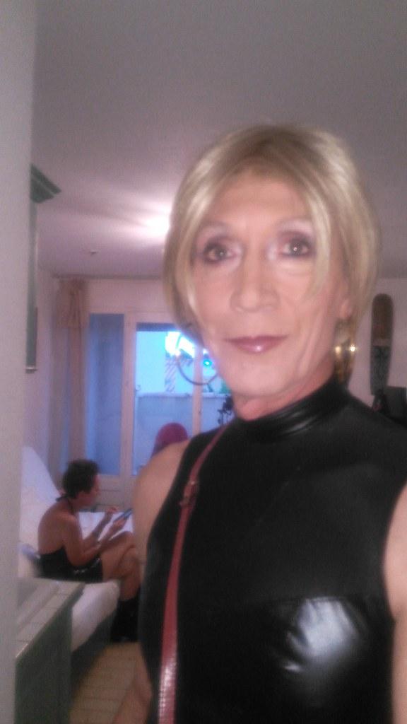 Blonde Au Petit Cul Cherche Un Plan Sexe à Mérignac 33