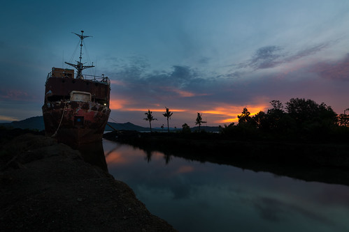 canon6d philippines leyte tacloban myhometown posthaiyan rustyship stillwater whatremains silhouette sunrise earlymorning groundedship