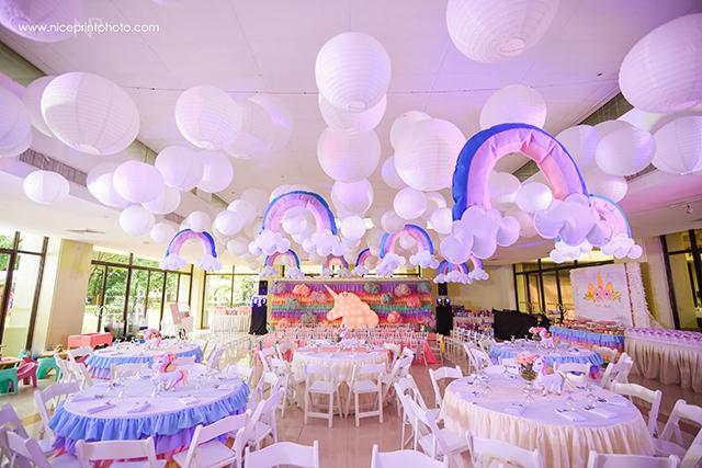 unicorn theme party ceiling (1)