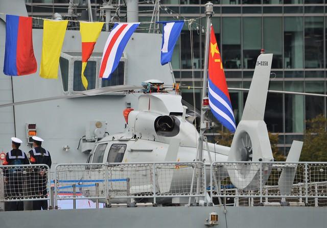 PLAN Harbin Z-9C (21) @ West India Dock 04-10-17