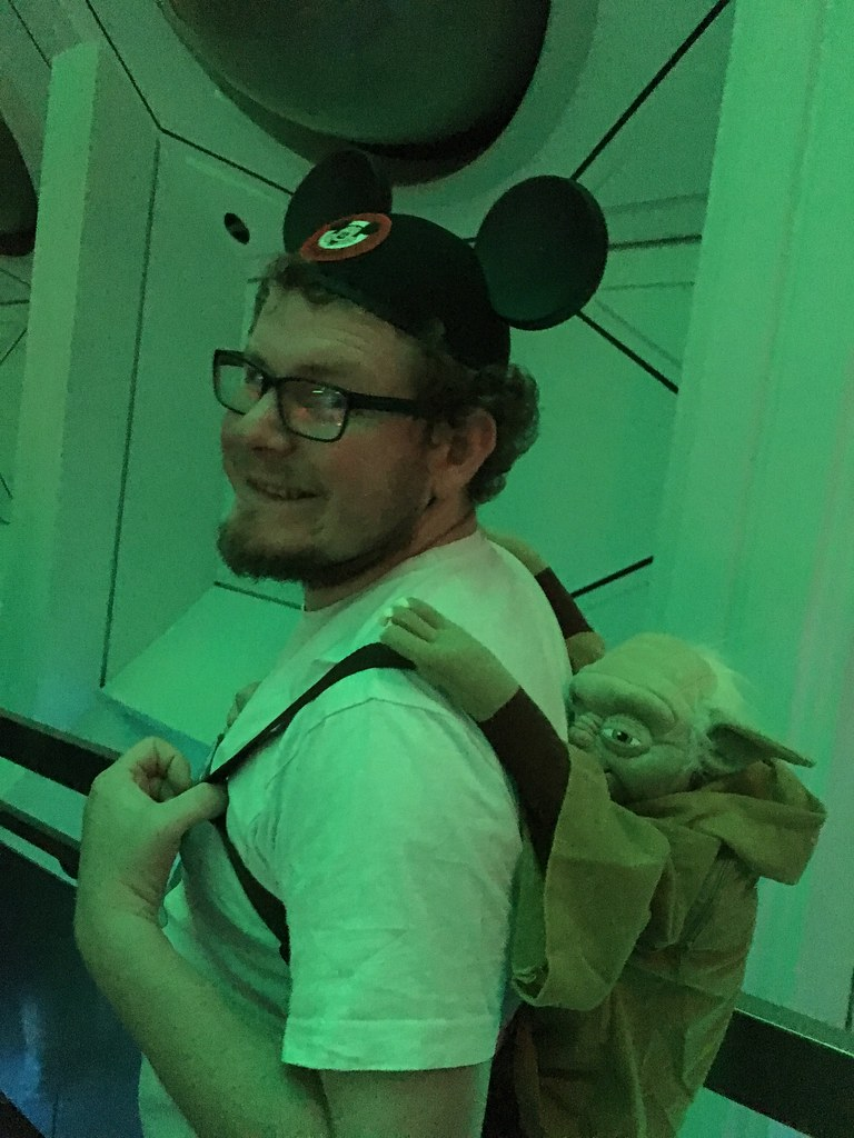 disneyland californai - yoda bag