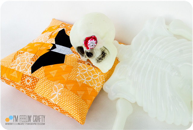 HalloweenPillow-Sleeping-ImFeelinCrafty