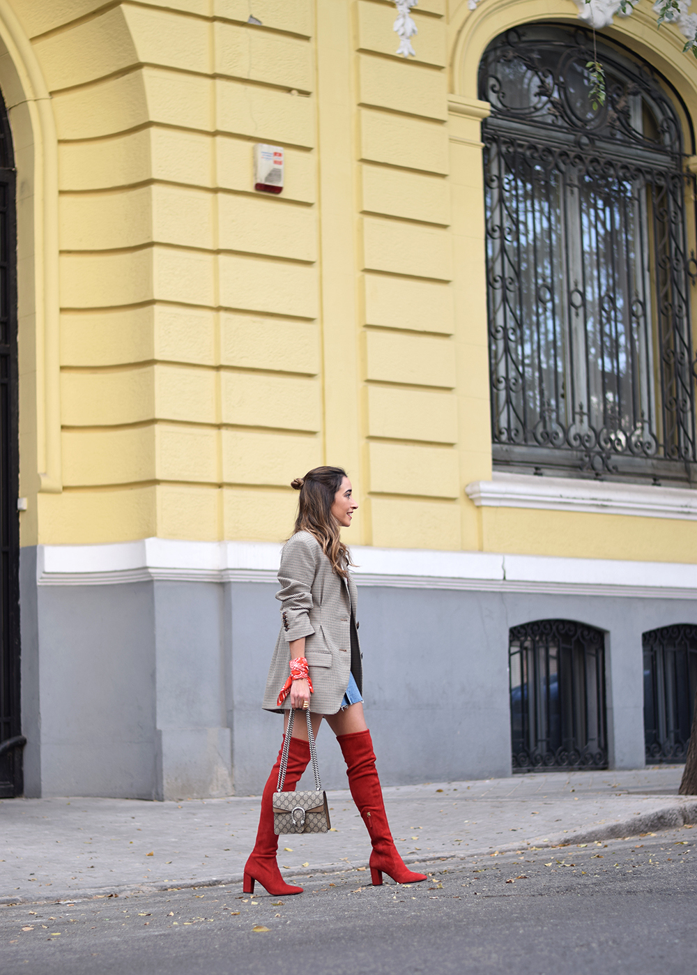 Houndstooth blazer denim skirt gucci bag red over the knee boots autumn outfit style fashion02