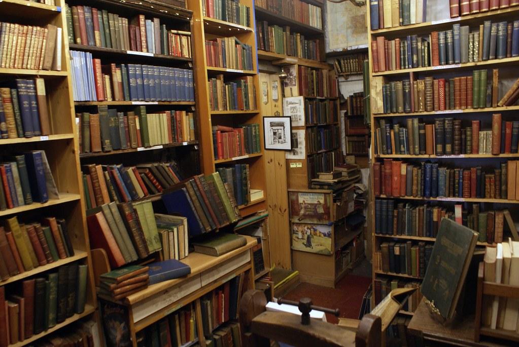> Librairie de livres anciens Armchair Books à Edimbourg.