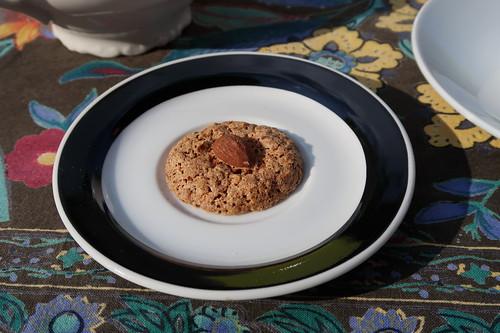 Macaron (von der Biscuiterie Artisanale Les Douceurs du Terroir an der Abtei Fontevrault)