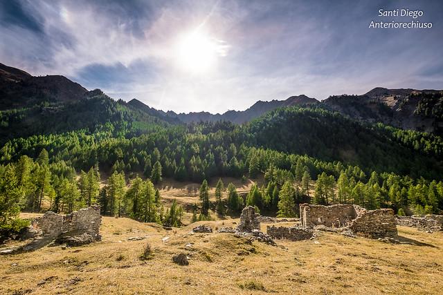 Rovine * Ruins  Localita' Thuras, val Thuras