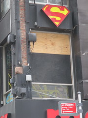 Man Jumps Out Midtown Comics Store 2nd Floor Window 2242