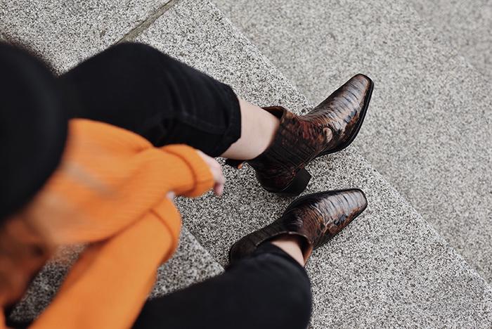 Orange-Sweater-Mom-Jeans