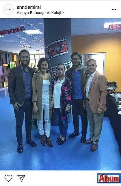 İnşaat Mühendisi Sinan Demiral, Hüseyin Baba'nın 'Tüfekteki Gravür' adlı kitabının imza gününden Burcu Baba ve Cihan Baba ile birlikte bu fotoğrafı paylaştı.