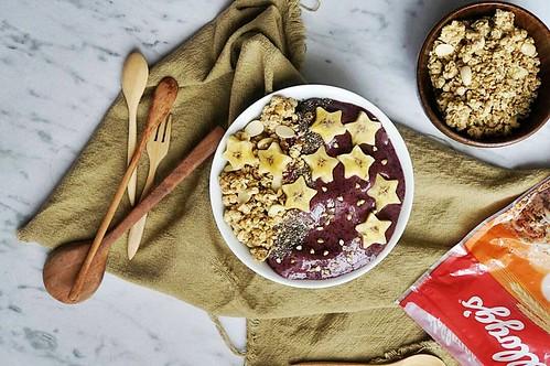 2.Vege smoothie bowl  (twinkle stars)