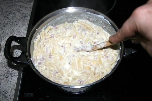 21 - Verrühren & Käse schmelzen lassen / Stir & let melt cheese